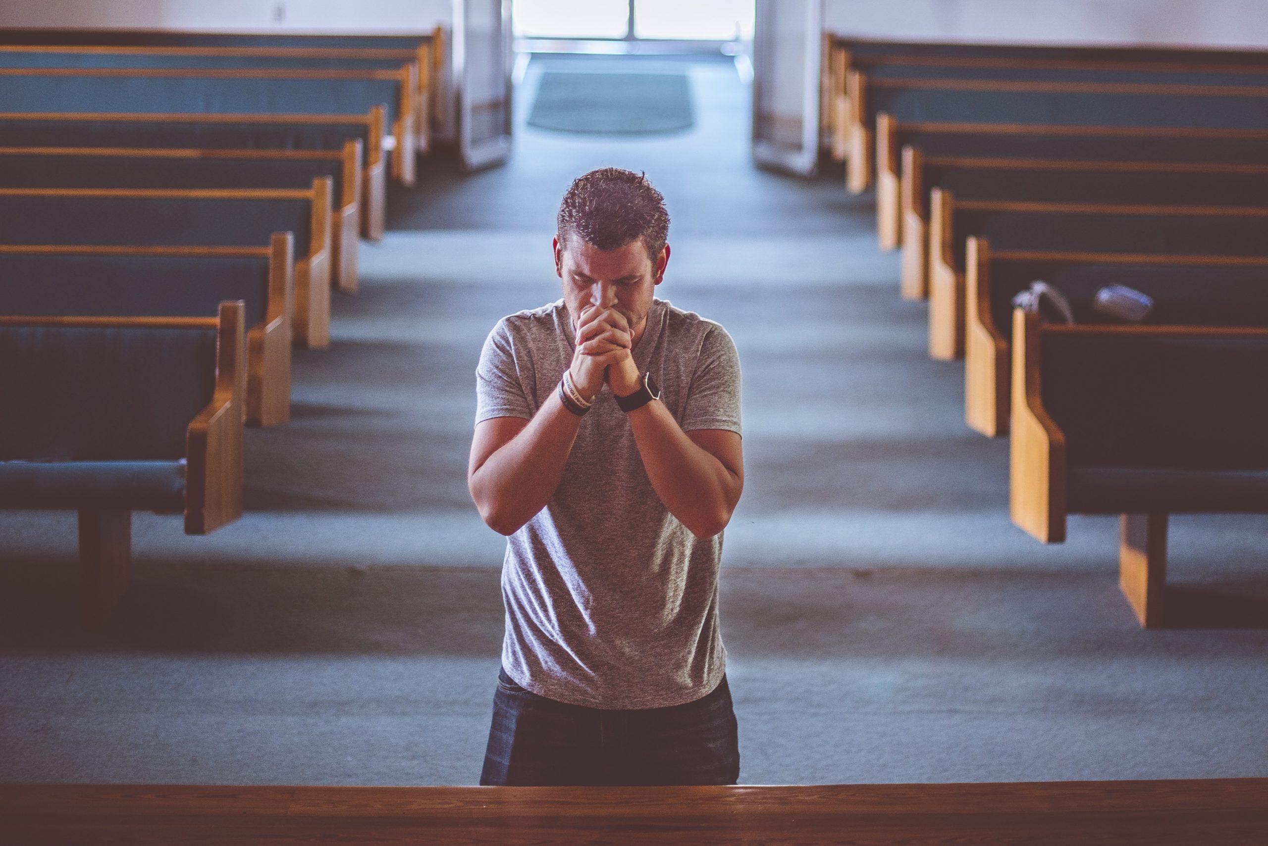 praying-2179326
